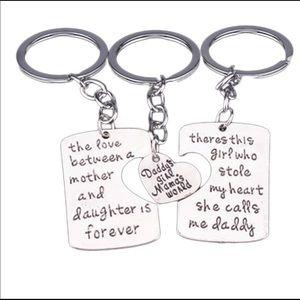 Daddy's girl mamas world keychain set 💕💕💕